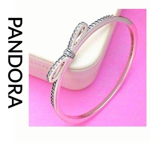 Pandora Sparkling Bow CZ'S Bangle S925 ALE 590536
